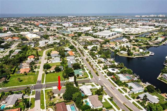 1200 Bluebird Ave, Marco Island, FL 34145 (MLS #221066718) :: Realty One Group Connections