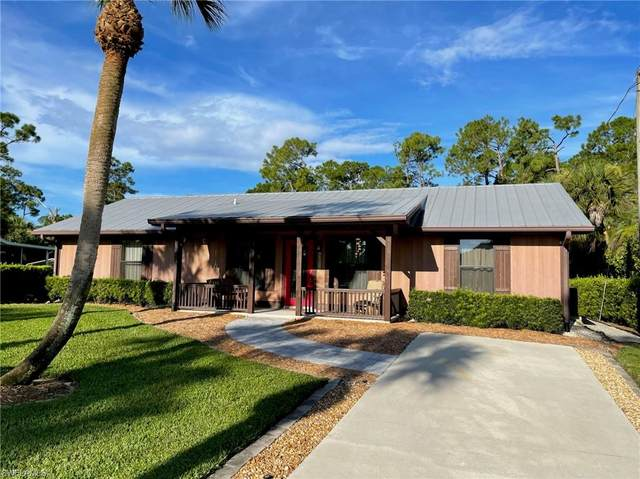 1381 13th St SW, Naples, FL 34117 (#221067560) :: Equity Realty