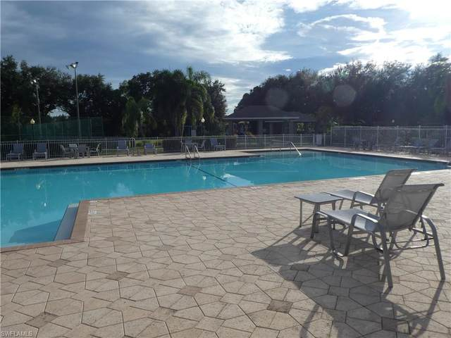 17711 Middle Oak Ct, Fort Myers, FL 33967 (#221067945) :: The Michelle Thomas Team