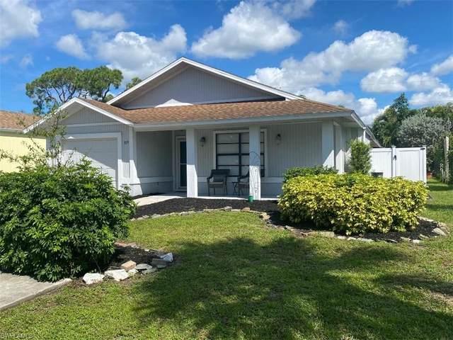 819 108th Ave N, Naples, FL 34108 (MLS #221068004) :: Team Swanbeck