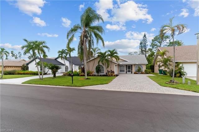 828 Belville Blvd, Naples, FL 34104 (MLS #221068159) :: Florida Homestar Team