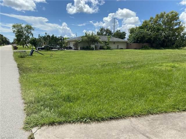 140 SE Santa Barbara Pl, Cape Coral, FL 33990 (MLS #221068269) :: Dalton Wade Real Estate Group