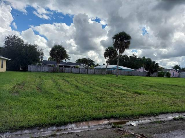 883 Zana Dr, Fort Myers, FL 33905 (MLS #221068738) :: The Naples Beach And Homes Team/MVP Realty