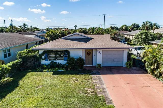 784 94th Ave N, Naples, FL 34108 (MLS #221072395) :: Waterfront Realty Group, INC.