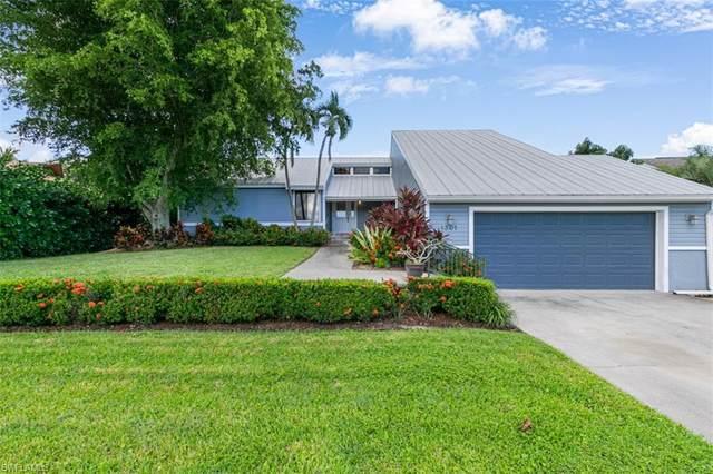 1301 Riverhead Ave, Marco Island, FL 34145 (MLS #221072611) :: Florida Homestar Team