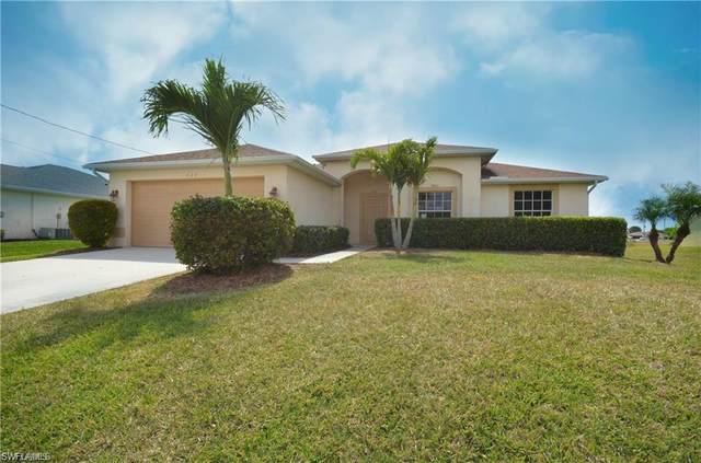 440 Juanita Ct NE, Cape Coral, FL 33909 (MLS #221074178) :: The Premier Group
