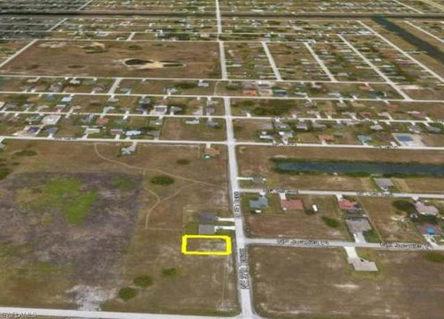25 NE 27th Ter, Cape Coral, FL 33909 (MLS #221074457) :: Medway Realty