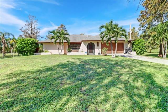 571 23rd St SW, Naples, FL 34117 (MLS #221074593) :: Coastal Luxe Group Brokered by EXP