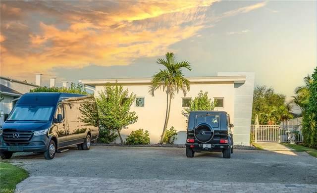 10042 & 44 Vanderbilt Dr, Naples, FL 34108 (MLS #221074873) :: Dalton Wade Real Estate Group