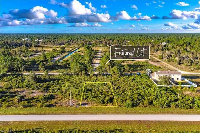 957 Jaguar Blvd, Lehigh Acres, FL 33974 (MLS #221075767) :: BonitaFLProperties