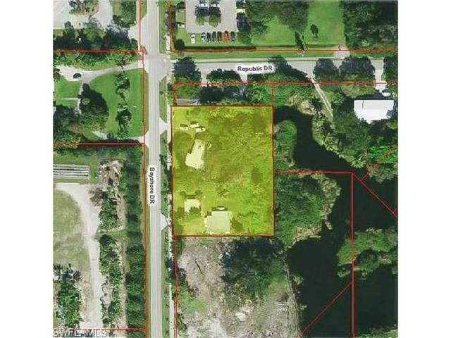 6025 Bayshore Dr, Naples, FL 34112 (#216063909) :: Equity Realty