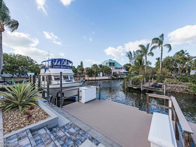 2631 Riverview Dr, Naples, FL 34112 (MLS #218081657) :: RE/MAX Radiance