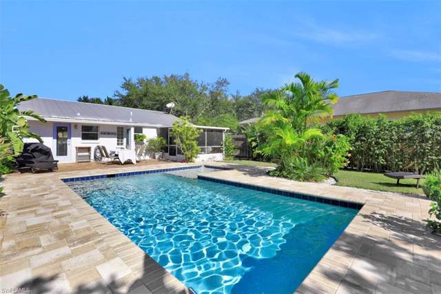 860 96th Ave N, Naples, FL 34108 (MLS #219080034) :: The Naples Beach And Homes Team/MVP Realty