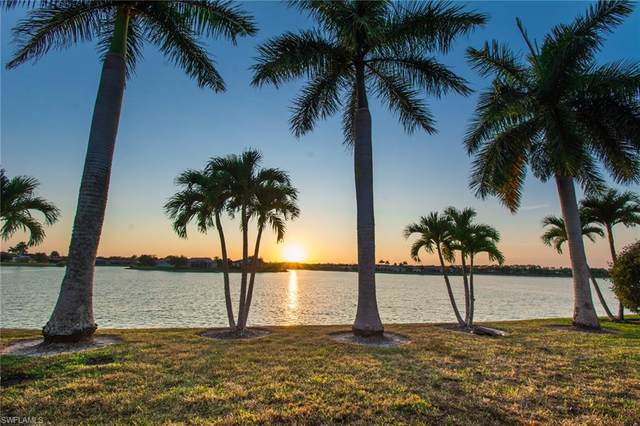 625 Grand Rapids Blvd, Naples, FL 34120 (#220014502) :: The Dellatorè Real Estate Group