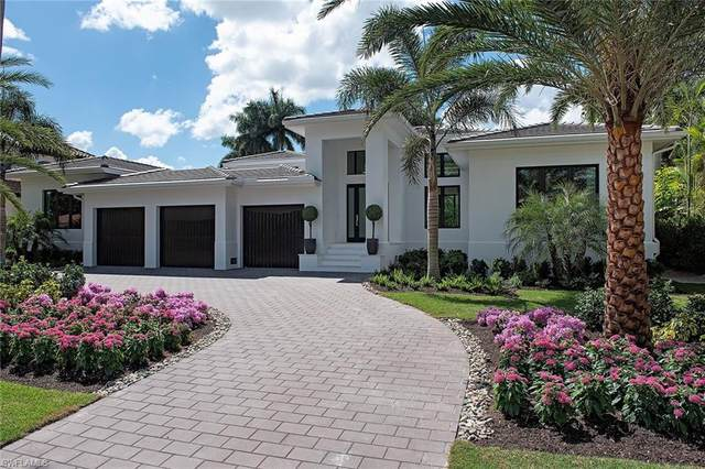 470 Wedge Dr, Naples, FL 34103 (MLS #220019370) :: The Naples Beach And Homes Team/MVP Realty