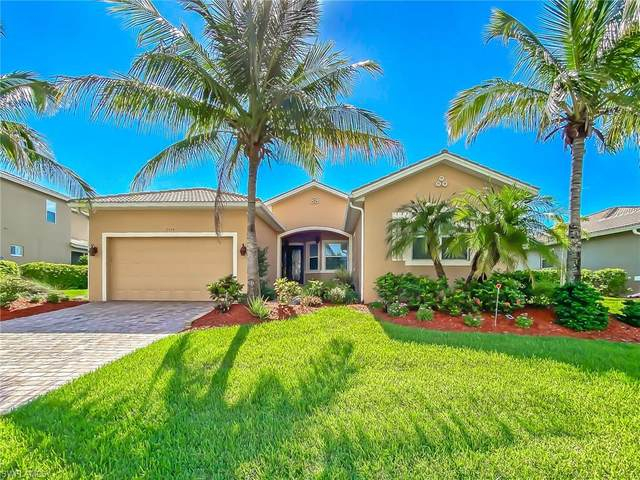 17154 Wrigley Cir, Fort Myers, FL 33908 (MLS #220037294) :: Palm Paradise Real Estate