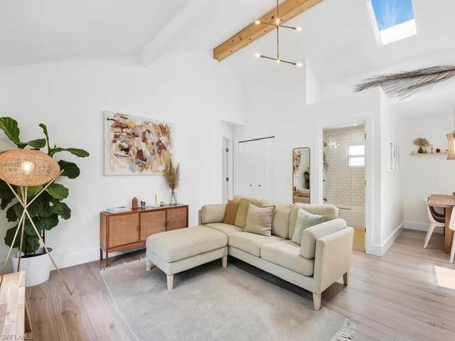 125 5th St SW, Naples, FL 34117 (MLS #220051043) :: Clausen Properties, Inc.