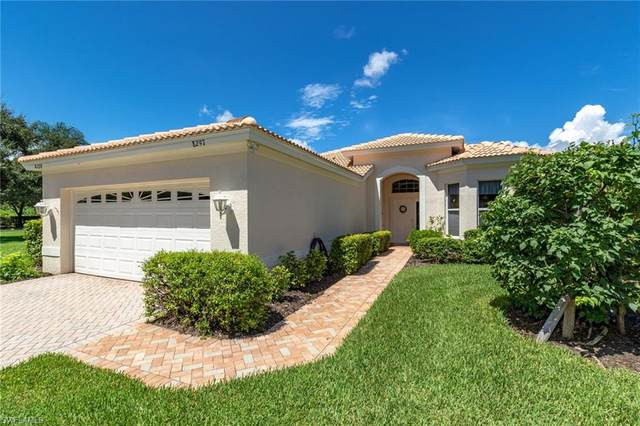 8297 Gleneagle Way, Naples, FL 34120 (#220051289) :: The Dellatorè Real Estate Group