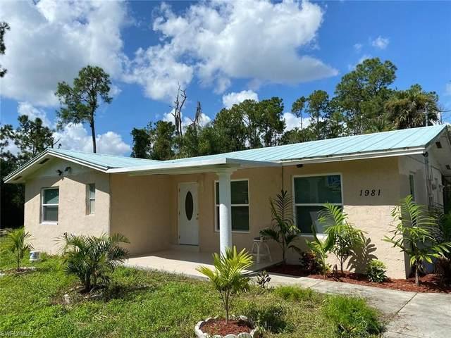 1981 Della Dr, Naples, FL 34117 (#220053346) :: Southwest Florida R.E. Group Inc