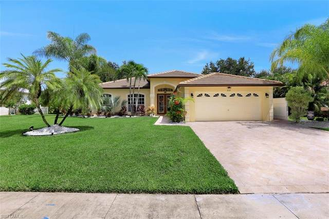 812 Willow Springs Ct, Naples, FL 34120 (#220056120) :: Jason Schiering, PA