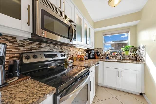 600 Valley Stream Dr I-C2, Naples, FL 34113 (#220061817) :: The Dellatorè Real Estate Group