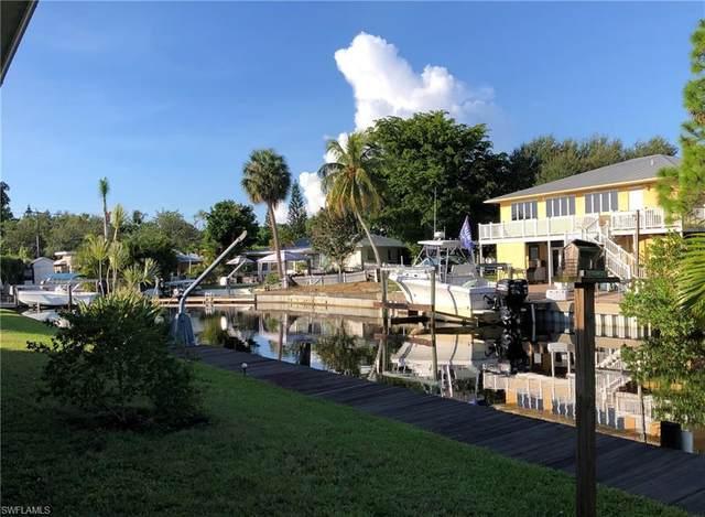 2620 Riverview Dr, Naples, FL 34112 (MLS #220062265) :: Florida Homestar Team