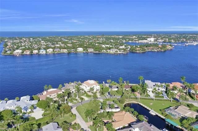 2001 Kingfish Rd, Naples, FL 34102 (MLS #220064698) :: The Naples Beach And Homes Team/MVP Realty