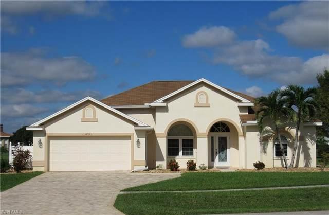 4741 Varsity Cir, Lehigh Acres, FL 33971 (#220072458) :: The Dellatorè Real Estate Group