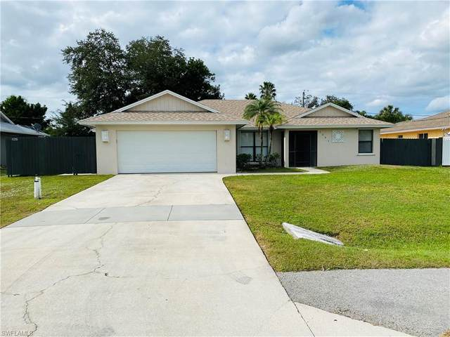 3043 44th St SW, Naples, FL 34116 (MLS #220076811) :: The Naples Beach And Homes Team/MVP Realty