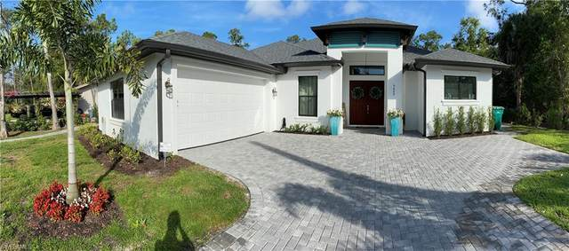 5025 Hickory Wood Dr, Naples, FL 34119 (MLS #221012266) :: Florida Homestar Team
