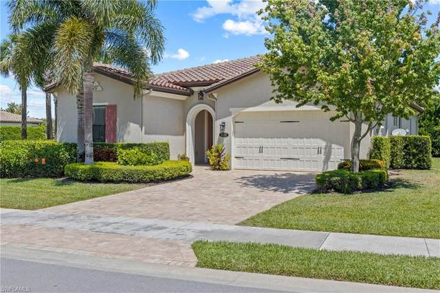 9270 Woodhurst Dr, Naples, FL 34120 (MLS #221025167) :: RE/MAX Realty Group