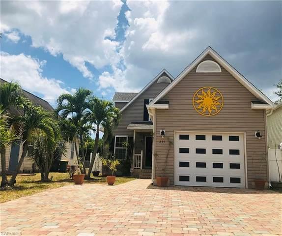 235 Leawood Circle, Naples, FL 34104 (#221040389) :: The Dellatorè Real Estate Group