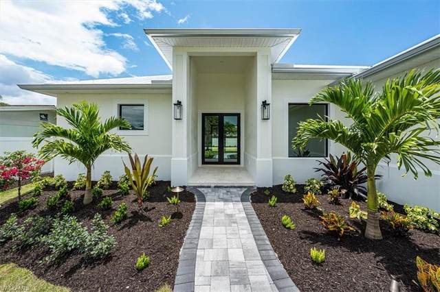 1208 Royal Palm Dr, Naples, FL 34103 (MLS #221041346) :: The Naples Beach And Homes Team/MVP Realty