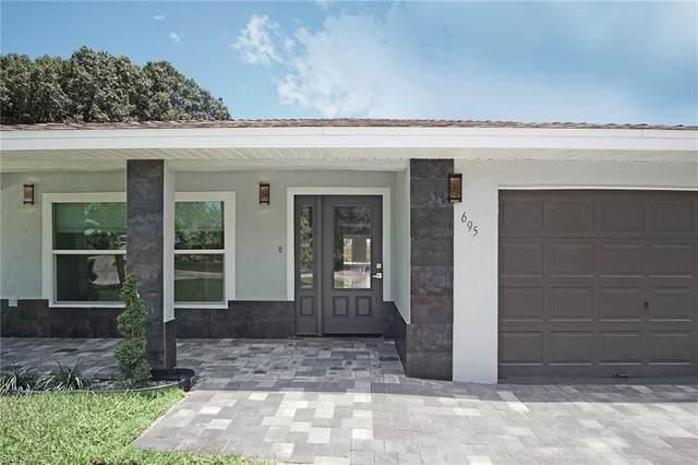 695 102nd Ave N, Naples, FL 34108 (MLS #221042893) :: Avantgarde