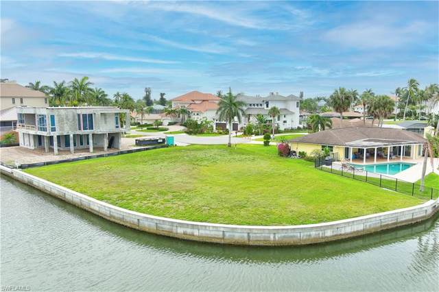 359 Seagull Ave, Naples, FL 34108 (#221044000) :: REMAX Affinity Plus