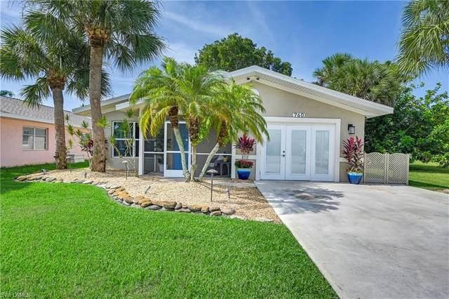 760 104th Ave N, Naples, FL 34108 (#221050404) :: Southwest Florida R.E. Group Inc