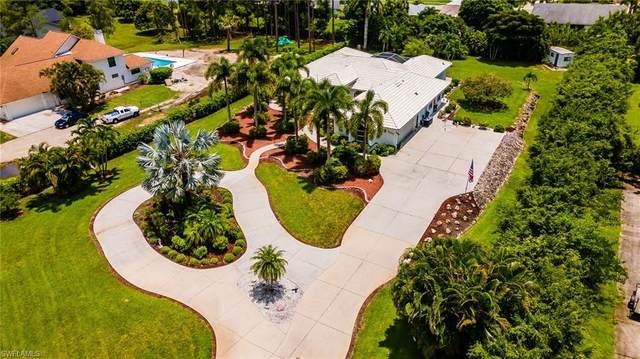 5555 Cynthia Ln, Naples, FL 34112 (MLS #221052361) :: Florida Homestar Team