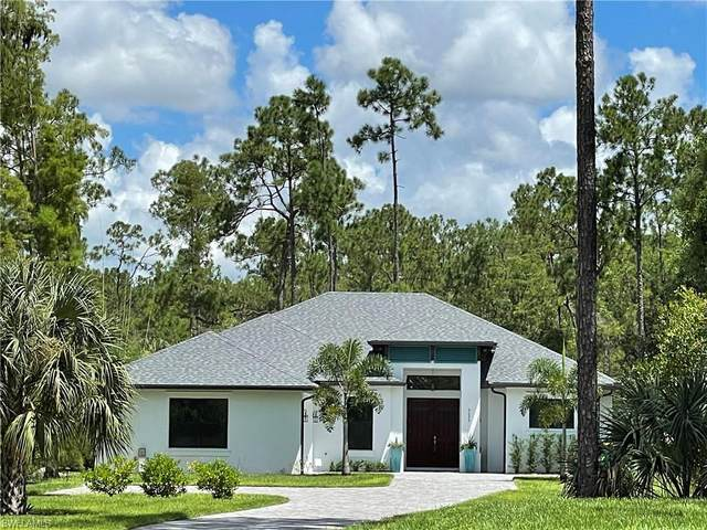 5025 Hickory Wood Dr, Naples, FL 34119 (#221054857) :: The Michelle Thomas Team