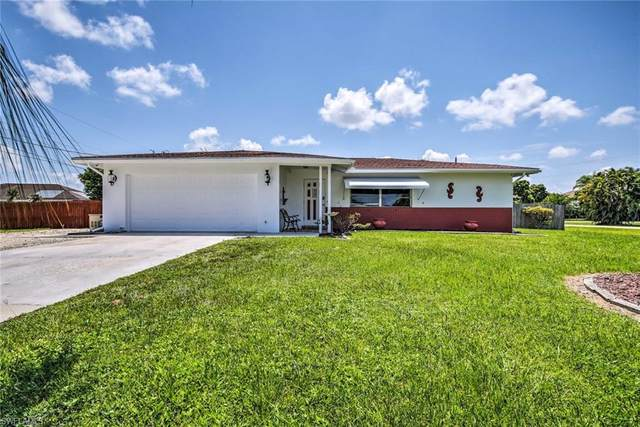 390 Valley Dr, Bonita Springs, FL 34134 (#221060891) :: MVP Realty