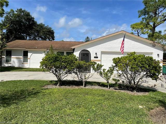 215 Madison Dr, Naples, FL 34110 (MLS #221063458) :: The Naples Beach And Homes Team/MVP Realty