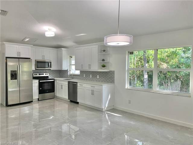4235 Wilson Blvd N, Naples, FL 34120 (MLS #221069736) :: Clausen Properties, Inc.