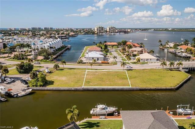 980 N Barfield Dr, Marco Island, FL 34145 (MLS #221072688) :: #1 Real Estate Services