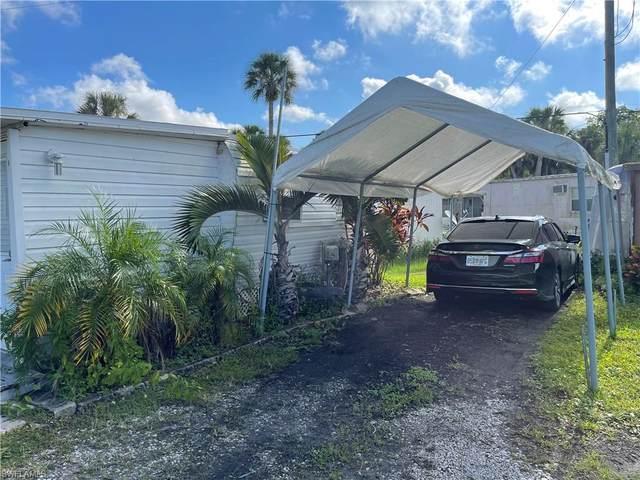 115 Lakeside Dr, Naples, FL 34112 (#221072722) :: Southwest Florida R.E. Group Inc