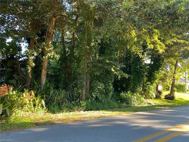 Cypress Woods Dr, Naples, FL 34103 (#221073404) :: Southwest Florida R.E. Group Inc