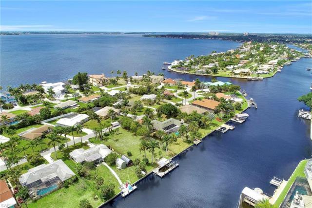 931 Dolphin Dr, Cape Coral, FL 33904 (MLS #219025244) :: Clausen Properties, Inc.