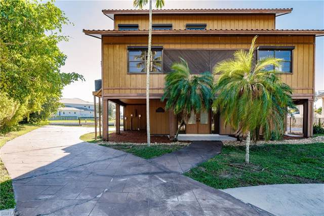 547 Seagrape Dr, Marco Island, FL 34145 (#219054151) :: The Dellatorè Real Estate Group