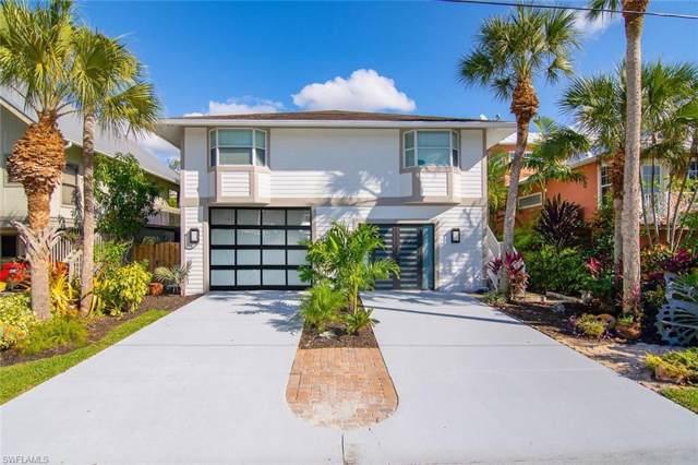 1300 Grand Canal Dr, Naples, FL 34110 (MLS #219075593) :: Clausen Properties, Inc.