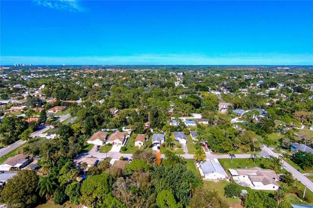 10004 Connecticut St, Bonita Springs, FL 34135 (MLS #219083931) :: Clausen Properties, Inc.