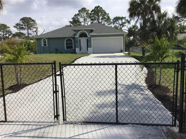 182 14th St NE, Naples, FL 34120 (#220012491) :: The Dellatorè Real Estate Group