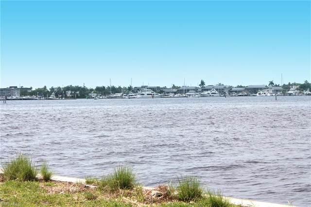 1305 Marlin Dr, Naples, FL 34102 (#220031889) :: Caine Premier Properties
